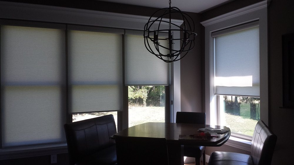 hunter douglas roller screens